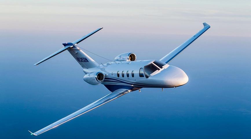 Легкий самолет Citation M2 для горнолыжной экскурсии