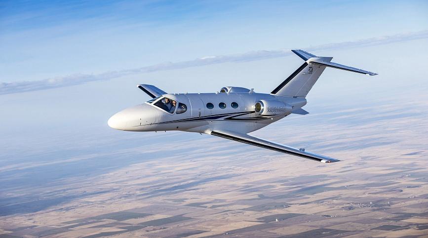 Легкий самолет Citation Mustang для горнолыжной экскурсии